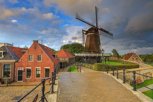 Stellingmolen 'De Kraai' in Sloten in Friesland. Een van de Friese Elf Steden. Een pittoresk vesting