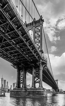 Unten an der Manhatten-Brücke von Ivo de Rooij