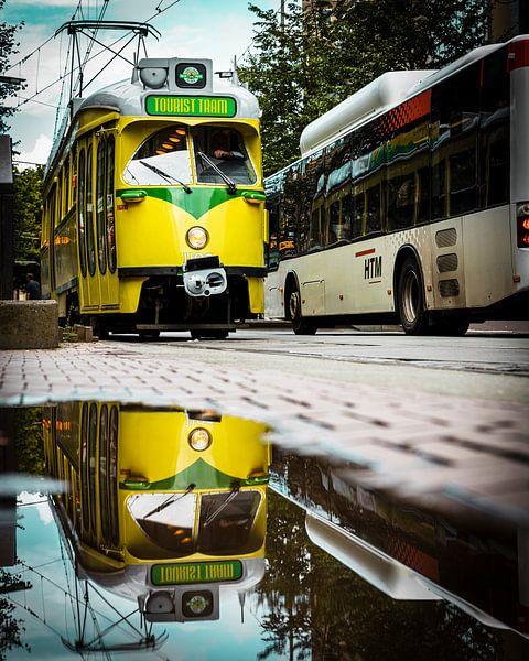 Tourist Tram Den Haag van Chris Koekenberg