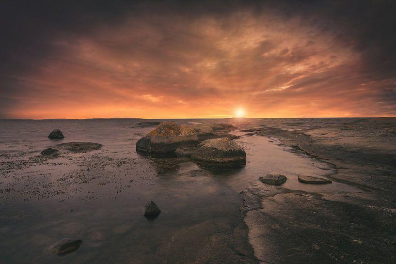 Rotsen in zee (Zweden) van Skyze Photography by André Stein