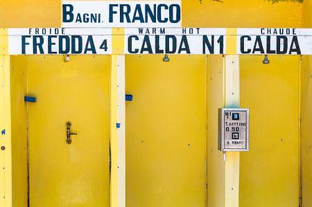 Yellow Dusche Kabinen in Italien mit warm und kalt auf Italienisch