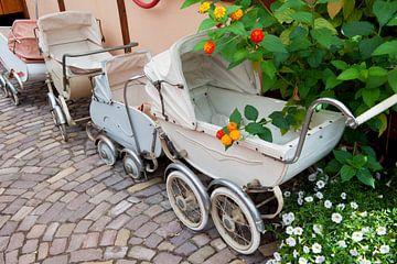 Vintage kinderwagens van Ivonne Wierink
