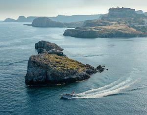 De kust bij Lindos baai, Lindos, Rhodos, Rhodes, Griekenland