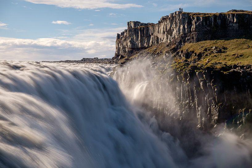 De imposante Dettifoss in Noord West IJsland van Gerry van Roosmalen