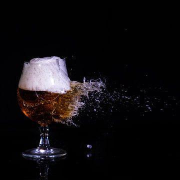 Bier aan diggelen van Joke Beers-Blom