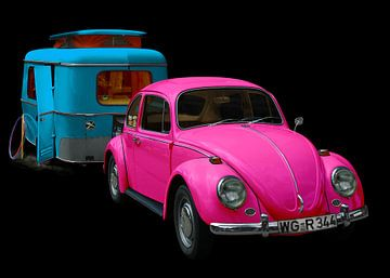 VW 1300 met Eriba Familia caravan in blauw & roze van aRi F. Huber