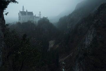 Sprookjeskasteel in de mist van Jo Haegeman