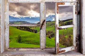 Vue à travers une fenêtre sur le paysage sur Jürgen Wiesler
