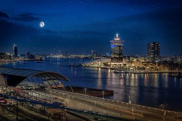 Maanlicht over Amsterdam van Mario Calma