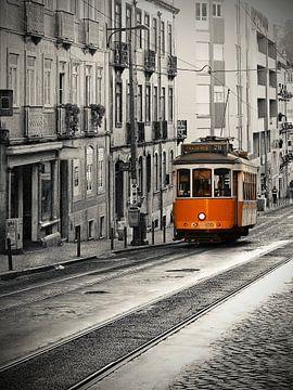Lisboa - tram line 28 van Carina Buchspies