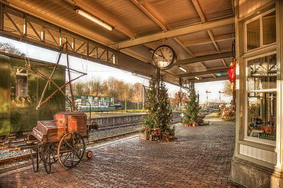 Treinstation Simpelveld in Kerstsfeer van John Kreukniet
