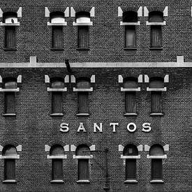 Oud pakhuis in zwart-wit van Edwin Muller