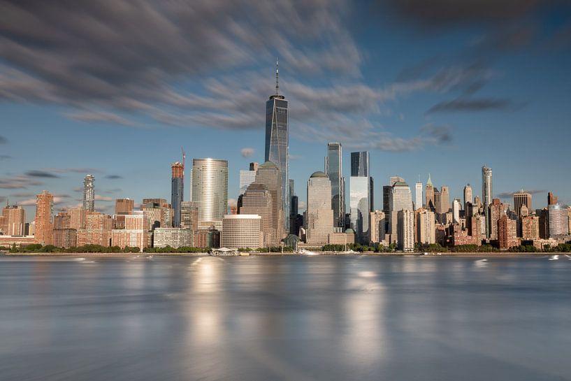New york city skyline zonsondergang golden hour van Marieke Feenstra