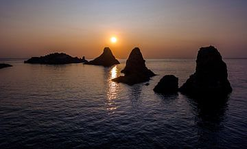Cyclopen Rotsen, zonsopkomst van Mario Calma