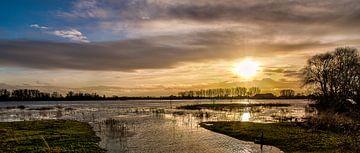 Sunset Rijn. sur Joram Janssen