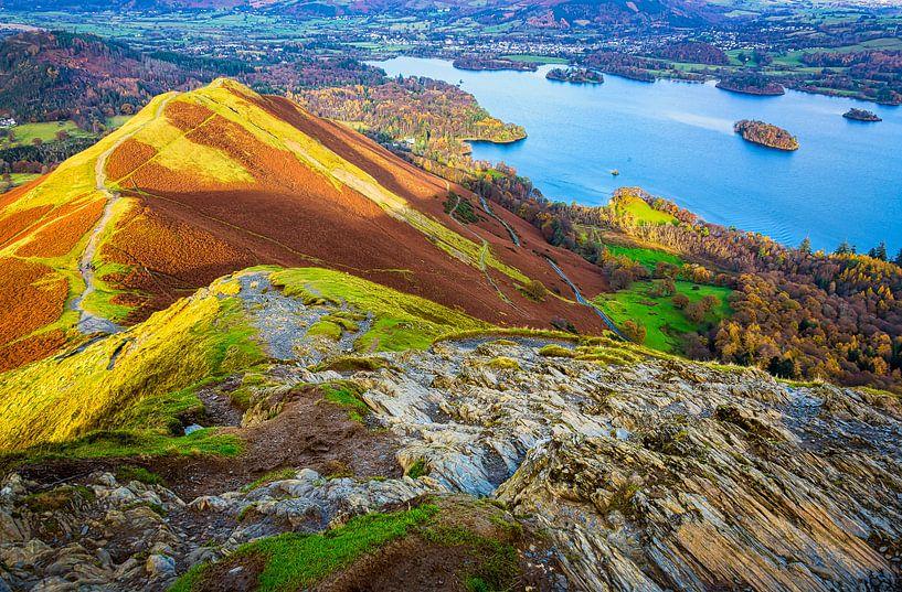 Wandelen over de bergtoppen in het Lake district, Groot Brittannië van Rietje Bulthuis