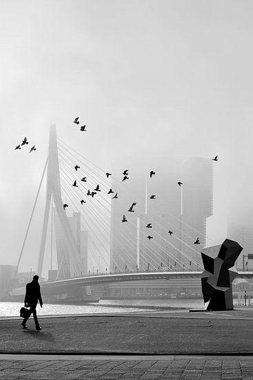 Misty Morning - Erasmusbrug in mist van Hans Zijffers