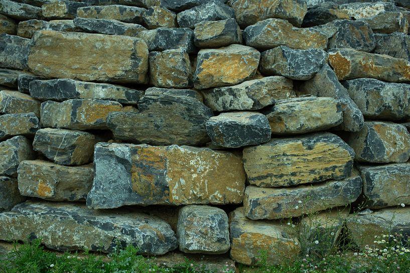 Stenen muur van Ivo Michielsen
