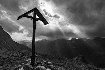 Bergkruis op de Rappensee van Walter G. Allgöwer
