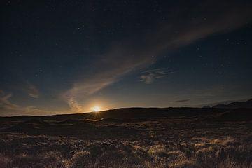 De maan aan de sterren hemel von Ilona Swinkels