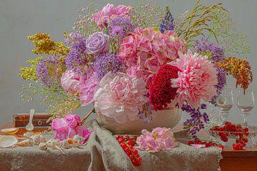 Stilleven bloemstuk Pioenroos en wilde bloemen van Willy Sengers
