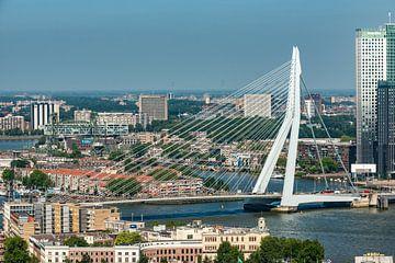 Erasmusbrug Rotterdam vanaf de Euromast. sur Brian Morgan