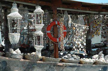 Griekse schelpenboot van Barbara Koppe