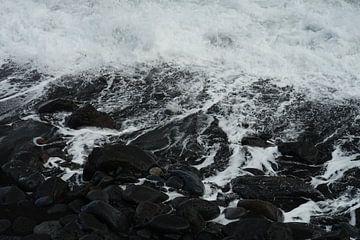 Lava strand / zwart strand van Natalie V