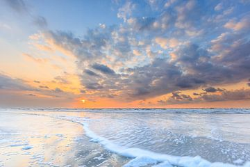 Sonnenuntergang über der Nordsee Terschelling von Jurjen Veerman