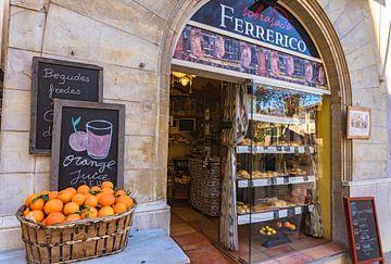 Magasin traditionnel d'alimentation gastronomique au centre de Palma de Majorque, Espagne Îles Baléa sur Alex Winter
