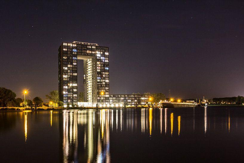Tasmantoren bij nacht 3 van Iconisch Groningen