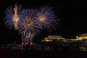 Vuurwerk op de zee bij Scheveningen Pier  van