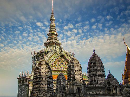 Rijkversierde tempel, tempel van de dageraad, Bangkok, Thailand