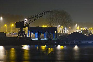 Nachtelijke industrie in de Botlek van Guido Akster