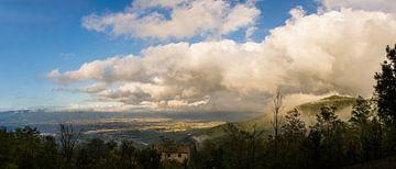 Panoramisch uitzicht over Toscane van Robbert De Reus