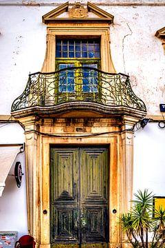Oud huis met balkon van Fred Leeflang