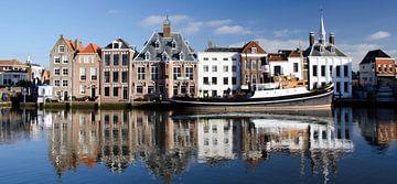 Historische Stadhuiskade Maassluis; panorama van