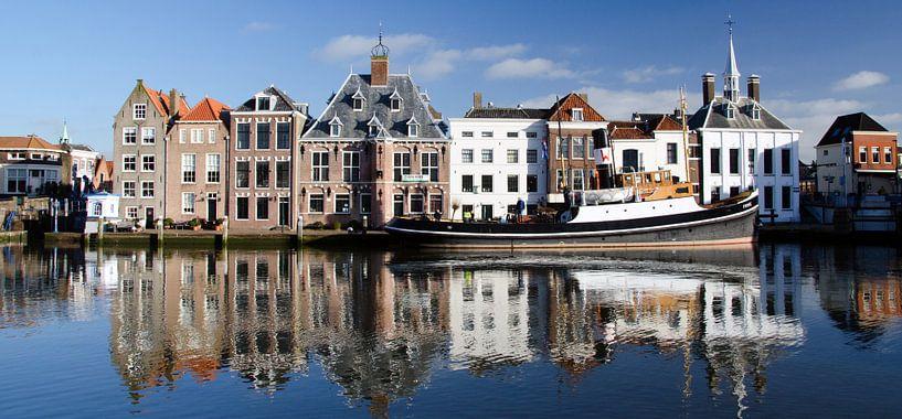 Historische Stadhuiskade Maassluis; panorama van Maurice Verschuur