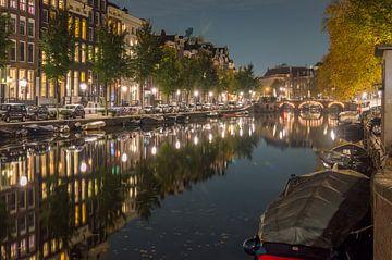 Amsterdamse grachten in de nacht van Richard Steenvoorden