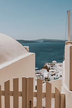 Blick auf Oia in Santorini Griechenland von Manon Visser