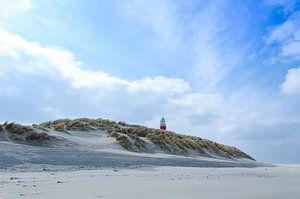 Vuurtoren boven de duinen van