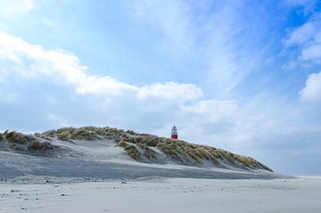 Vuurtoren boven de duinen von Jan Beukema