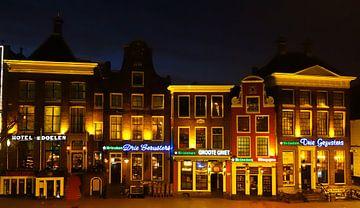 Zuidzijde Grote Markt in de nacht van Groningen Stad