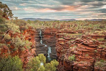 Zonsondergang waterval Australie van Eefke Smets