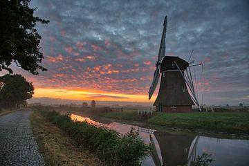 Krimstermolen bij zonsopkomst van Anneke Hooijer