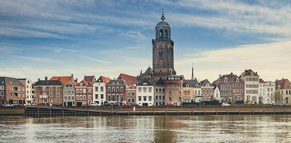 Stadsgezicht Deventer - IJsselkade (2018) -2b (16:9 -  panorama)
