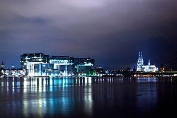 Cologne at night (1) van Norbert Sülzner