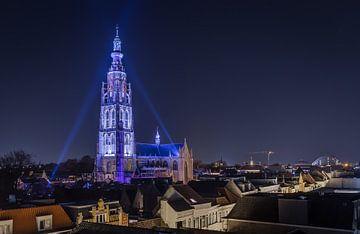 Grote kerk van Breda van Alex Riemslag