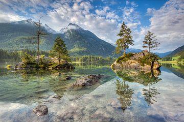 Morgensonne am Hintersee in Bayern von Michael Valjak