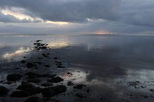Coucher de soleil sur la côte de Terschelling sur Jan-Willem van Rijn